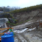 Cedimento di scarpata di cantiere a seguito di infiltrazione di acqua dopo prolungate precipitazioni meteoriche