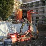 Perforazione per impianto geotermico di riscaldamento di uno stabile multi-appartamenti, posa di numerosi km di sonde nel sottosuolo fino a 150m di profondità